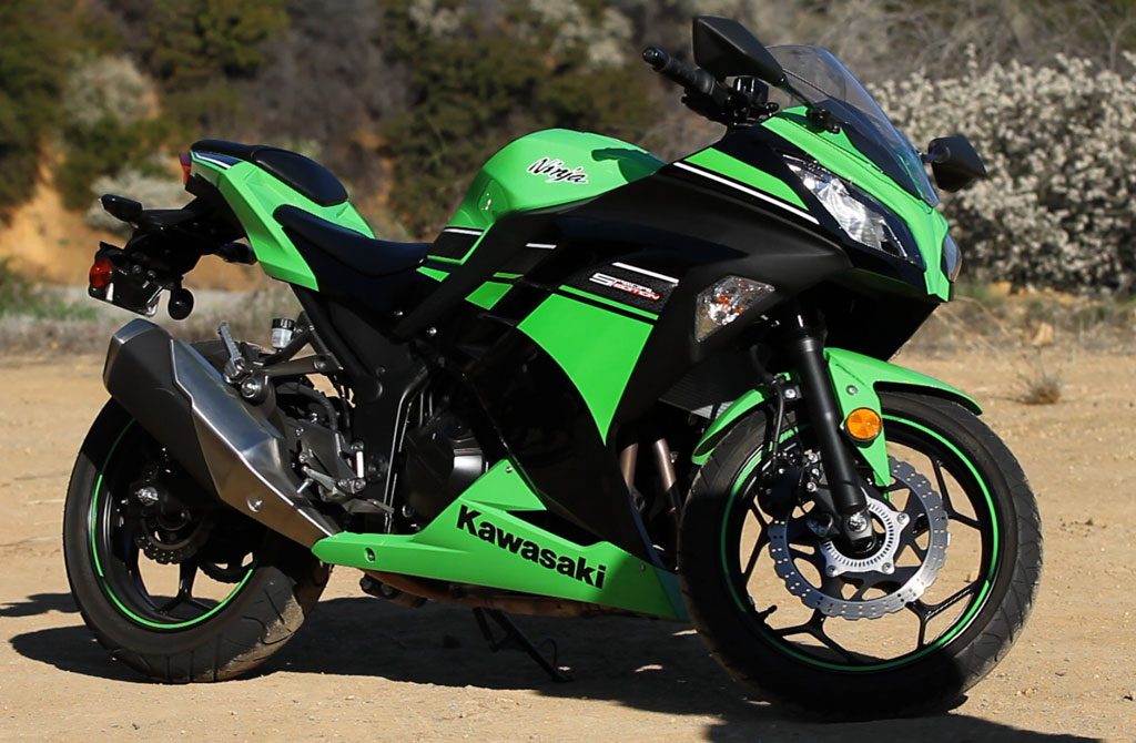 2013-Kawasaki-Ninja-300-01